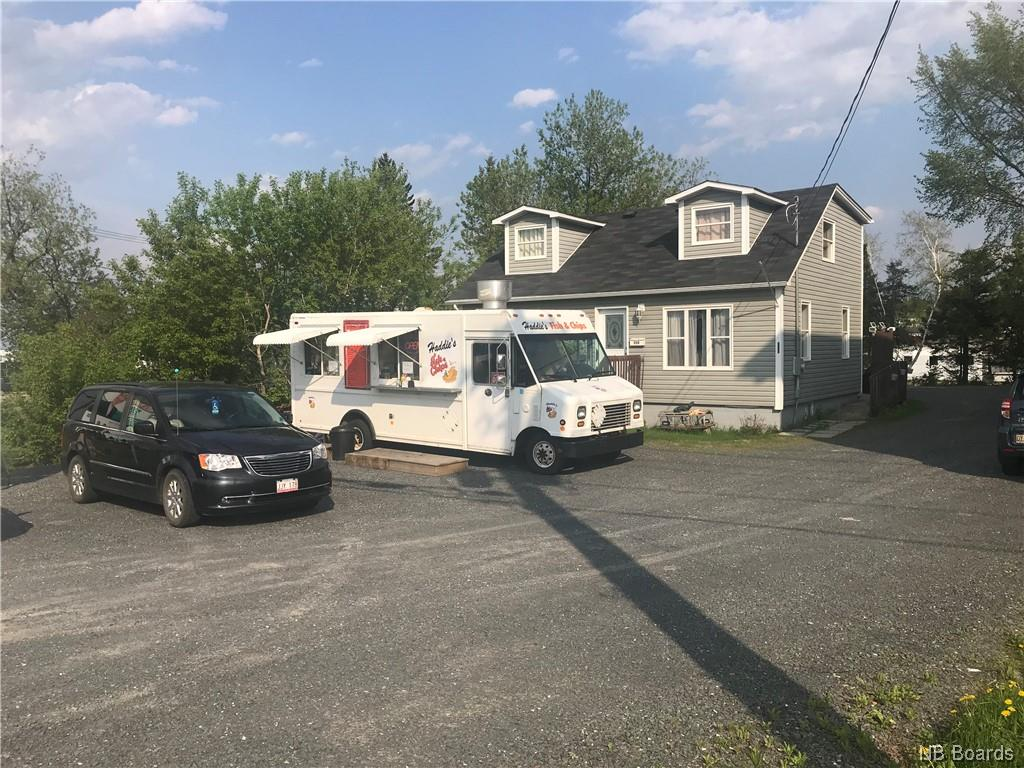 998 Hanwell Road, Fredericton, New Brunswick (ID NB038818)