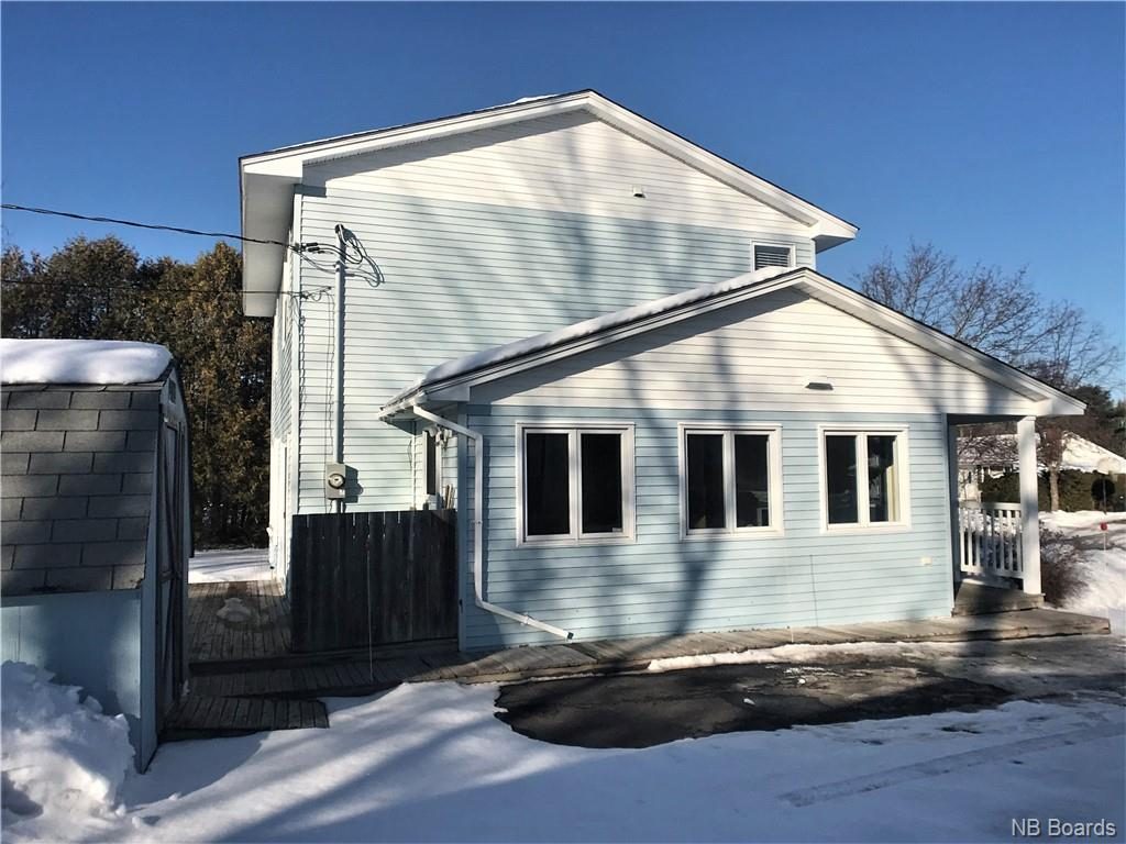 211 Coventry Crescent, Fredericton, New Brunswick (ID NB040664)