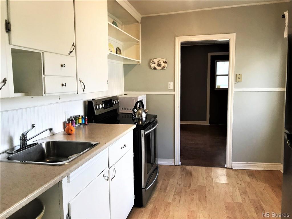 733 MacLaren Avenue, Fredericton, New Brunswick (ID NB043543)