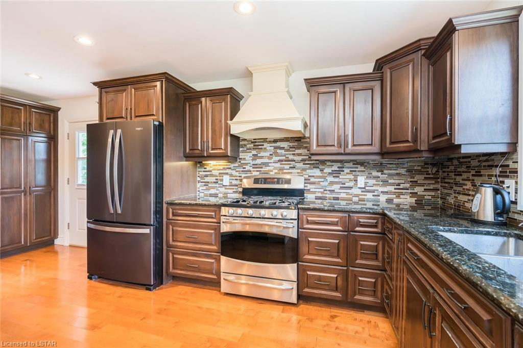 4737 AUSABLE Drive, North Middlesex, Ontario (ID 279596)