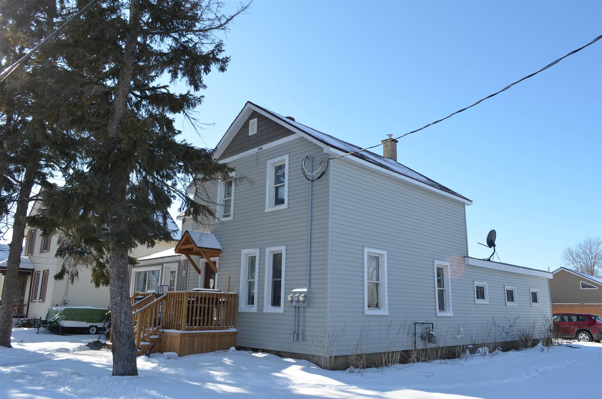 190 Victoria Avenue, Gananoque, Ontario (ID K21000330)
