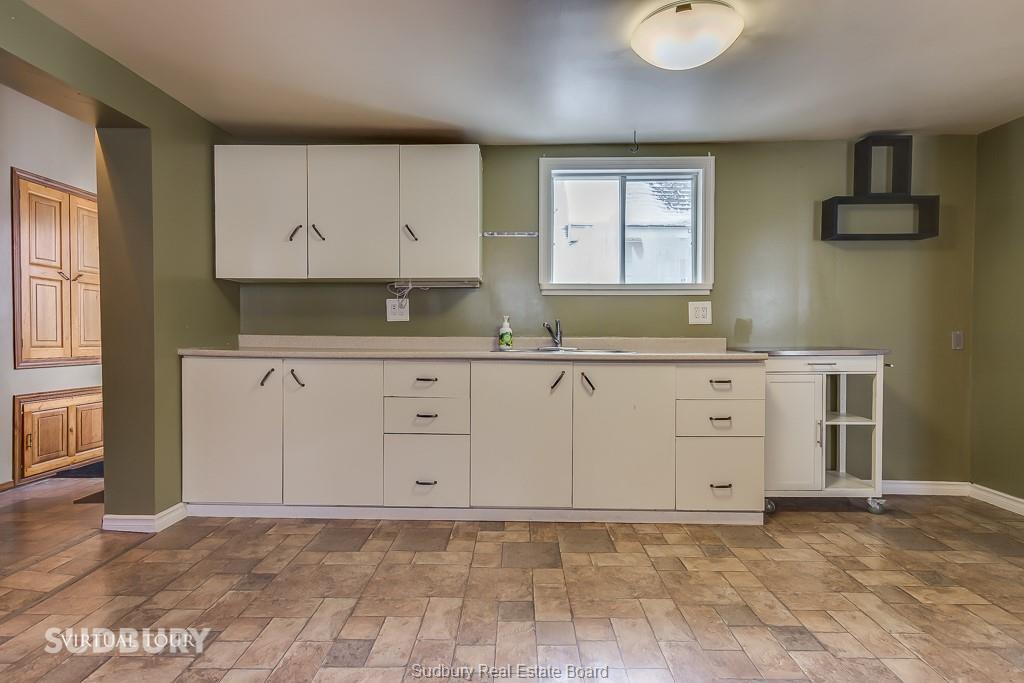530 MONTAGUE, Sudbury, Ontario (ID 2090441)