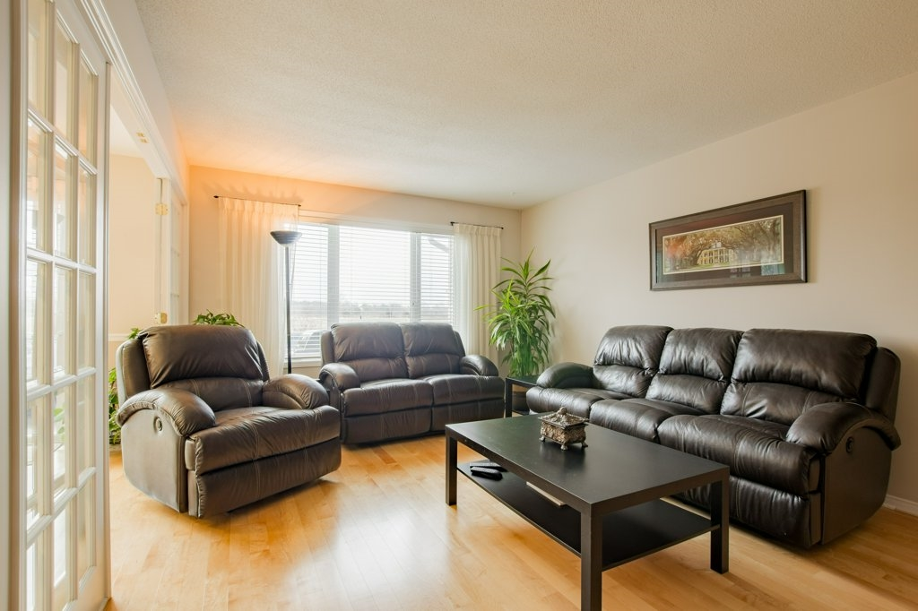 12 Abbey Dawn Drive, Bath, Ontario (ID K18000567)