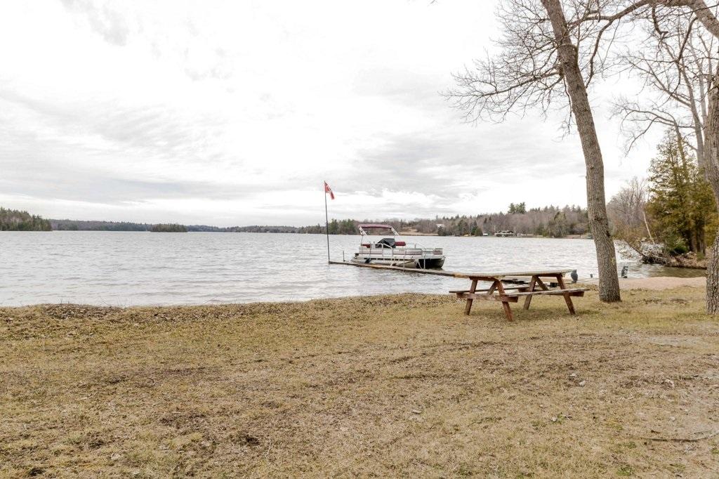 1275 White Lake Road, South Frontenac, Ontario (ID K18002088)