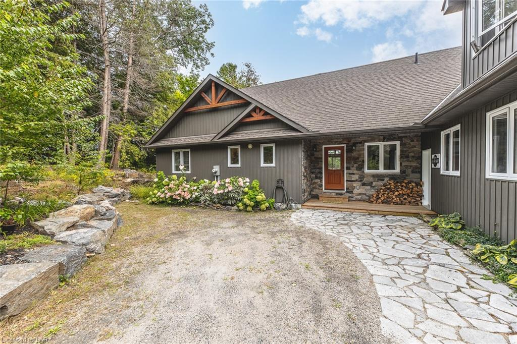 1057 IDGARA Trail, Halls Lake, Ontario (ID 40163908)