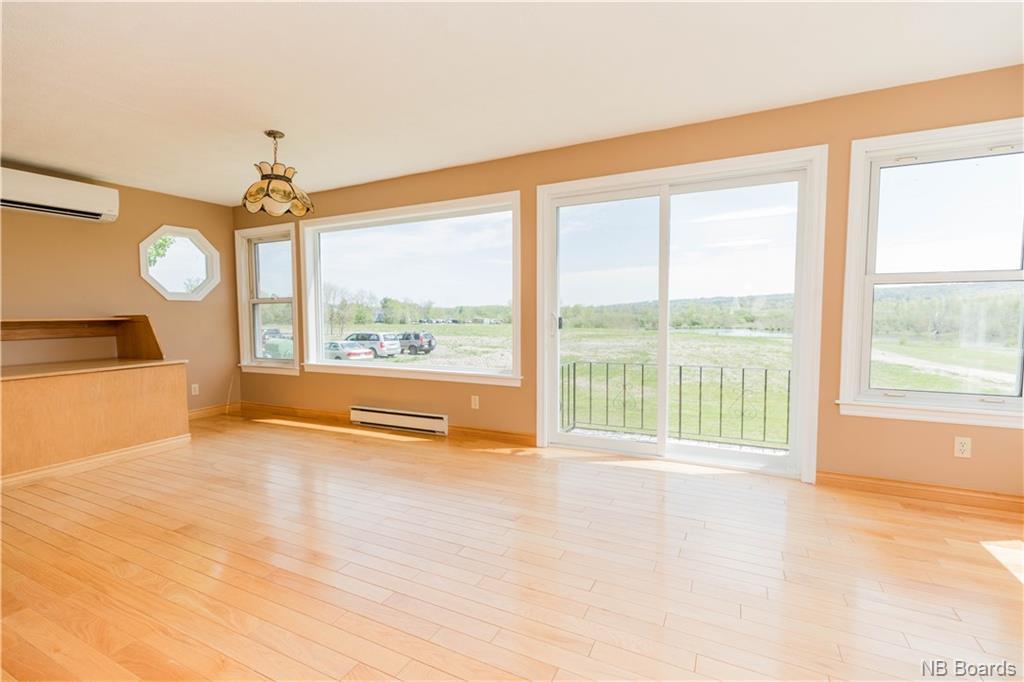 200 Sunset Drive, Fredericton, New Brunswick (ID NB043944)