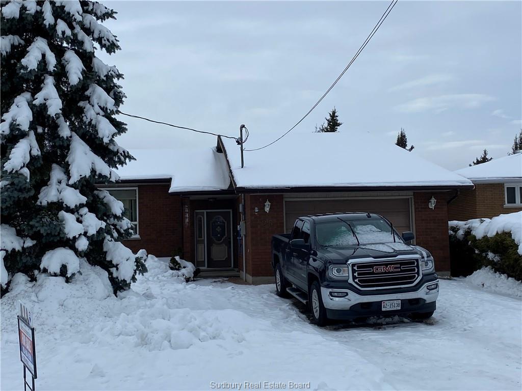 25 Leo, Azilda, Ontario (ID 2080681)