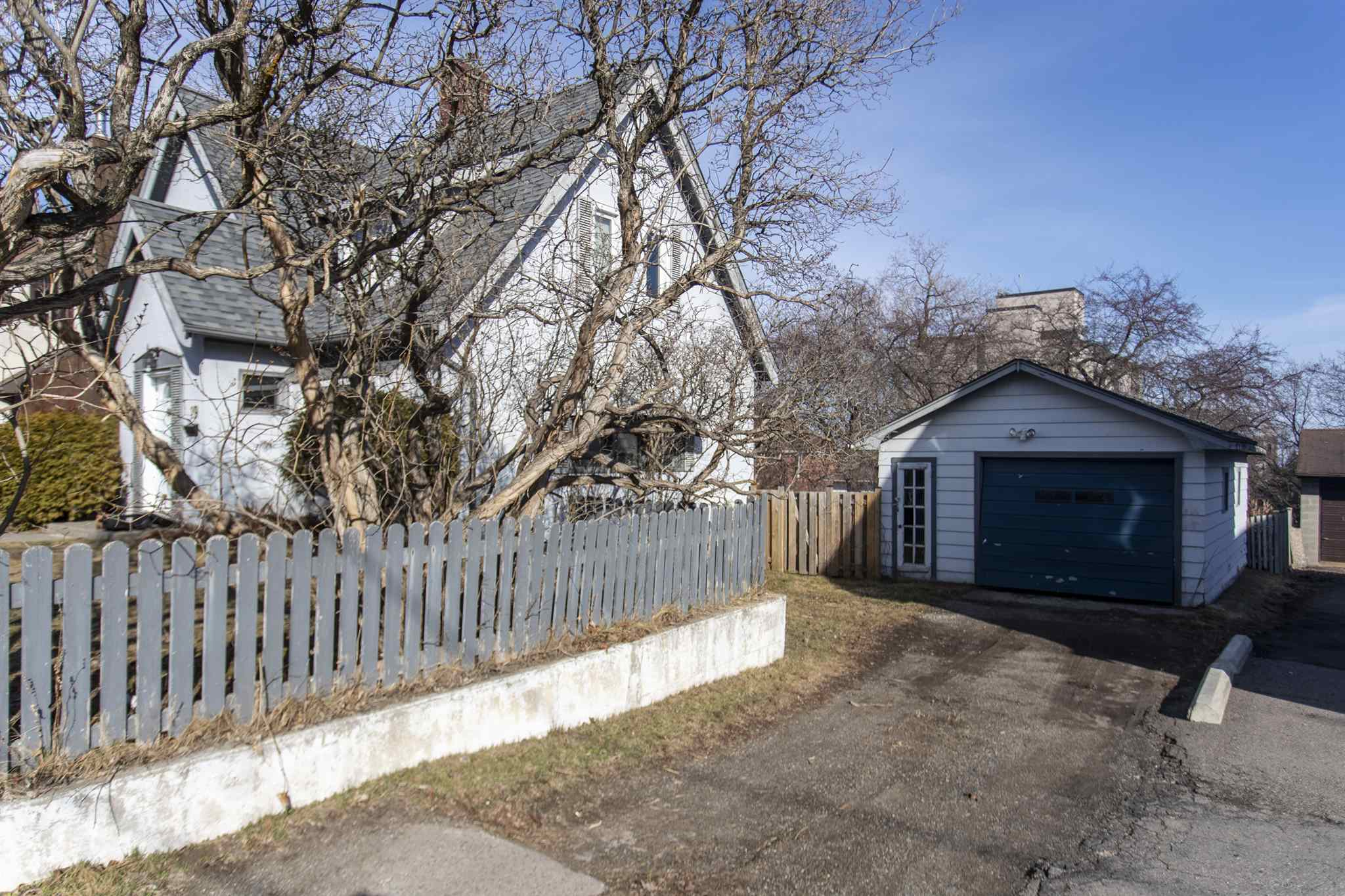 19 Peter Street, Thunder Bay, Ontario (ID TB210948)