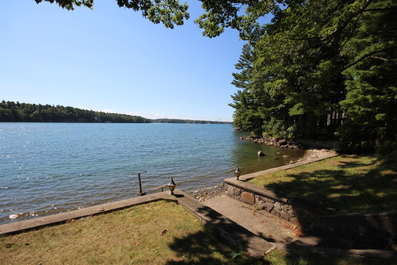 7 Riverview Drive, Leeds & 1000 Islands Township, Ontario (ID K19007477)