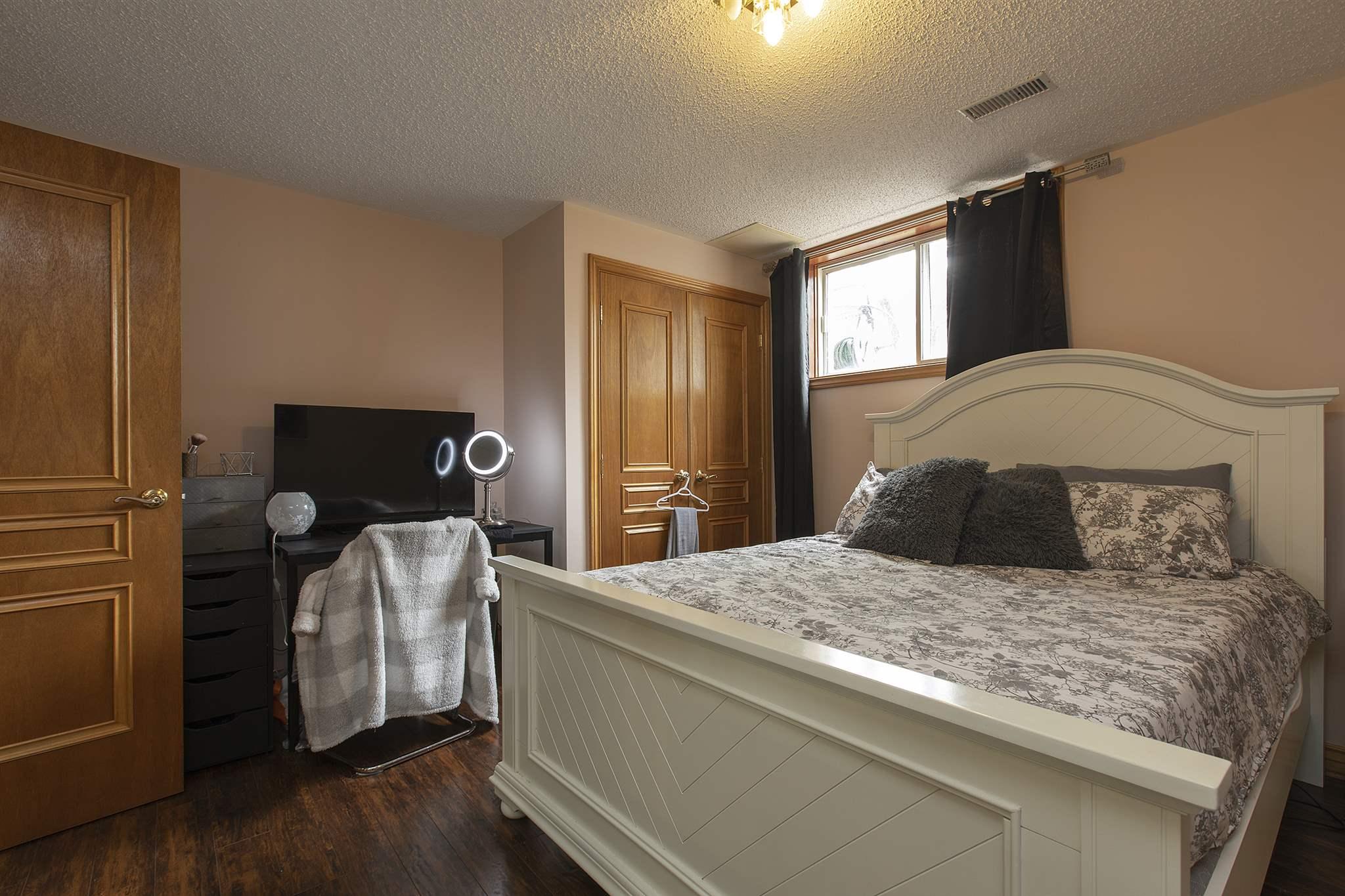 687 Muirfield Crescent, Kingston, Ontario (ID K20002377)