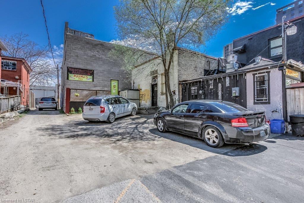 680 DUNDAS Street, London, Ontario (ID 237731)