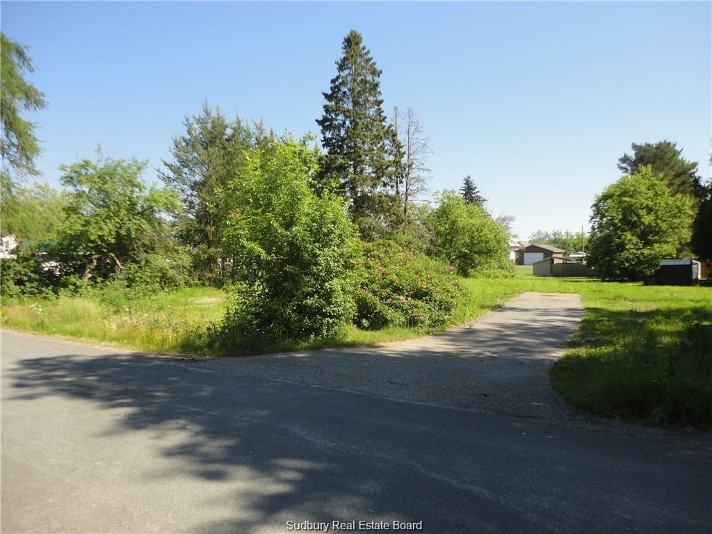 25 TARBUTT, Bruce Mines, Ontario (ID 2088611)