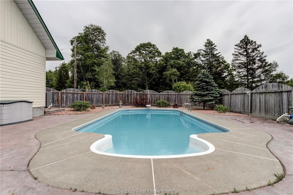 15 Woodcock Road, Webbwood, Ontario (ID 2084642)