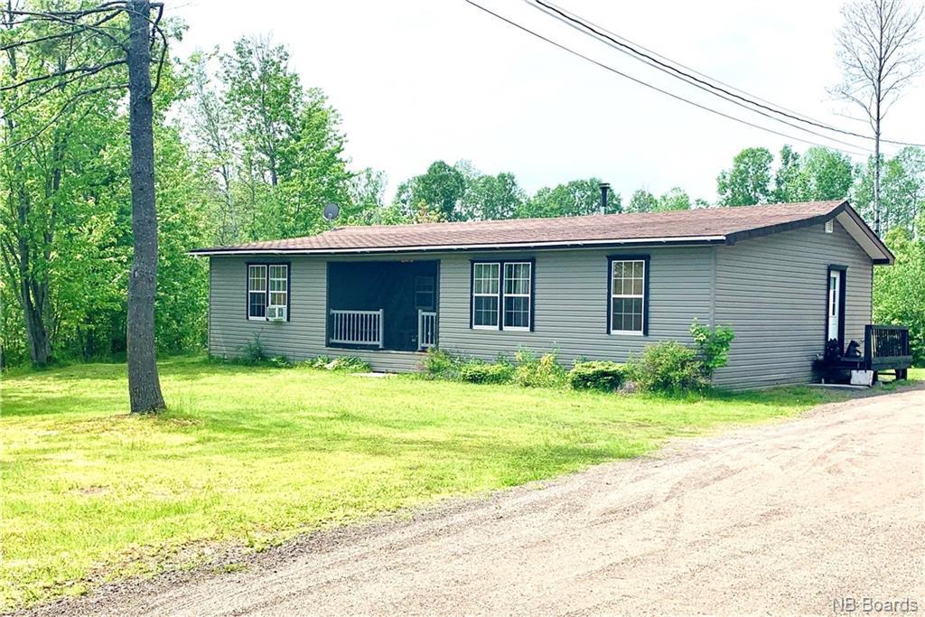 11 Memorial Drive, Minto, New Brunswick (ID NB059273)