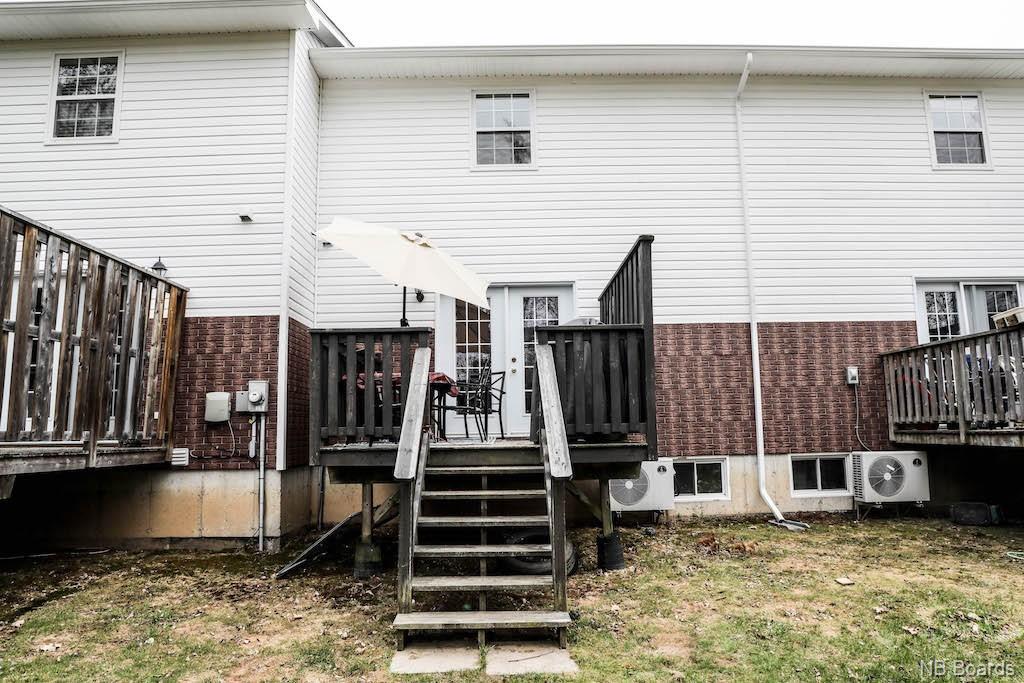 171 Riverside Drive Unit# 4, Fredericton, New Brunswick (ID NB023105)