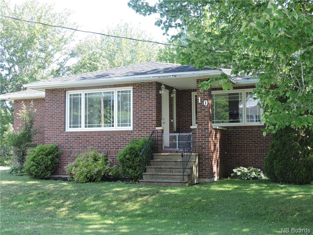 10 Pine Street, Mcadam, New Brunswick (ID NB060483)