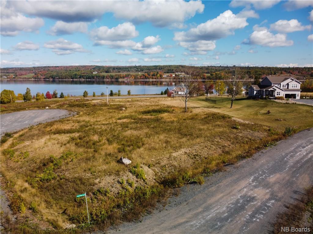 12-09 Riverview Drive, Lower Prince William, New Brunswick (ID NB042320)