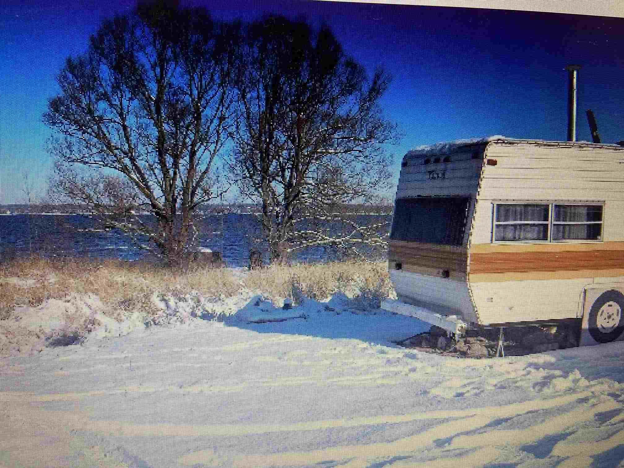 North Shore Road, Amherst Island, Ontario (ID K21001778)