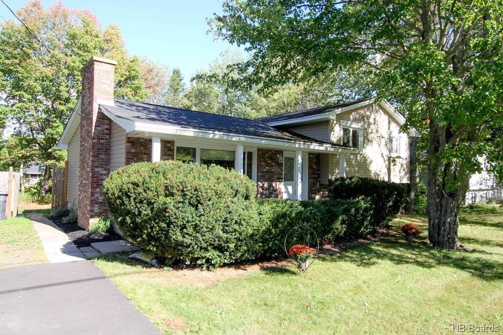 55 Bradshaw Drive, New Maryland, New Brunswick (ID NB043042)