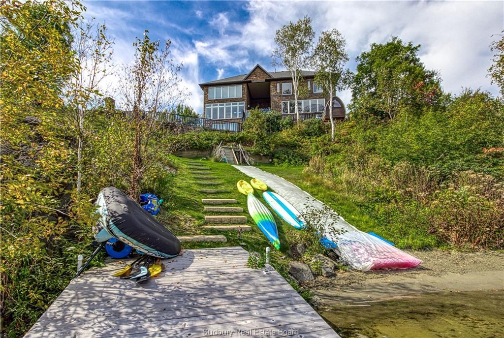 2039 Sunnyside Drive, Sudbury, Ontario (ID 2098679)