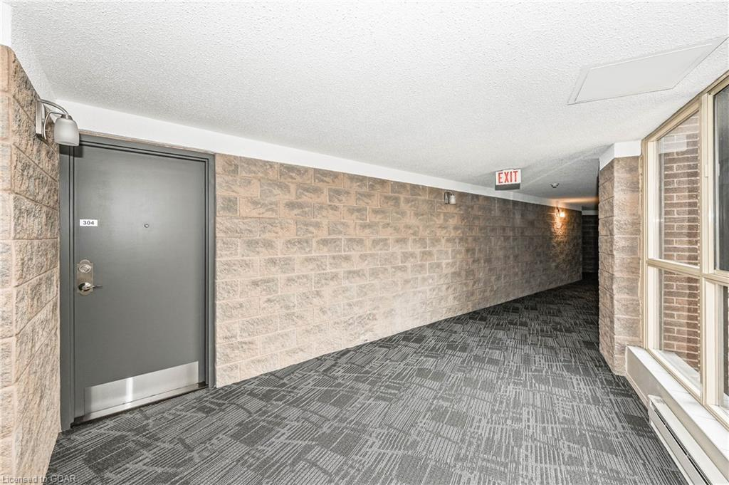 24 MARILYN Drive Unit# 304, Guelph, Ontario (ID 30809034) - image 3
