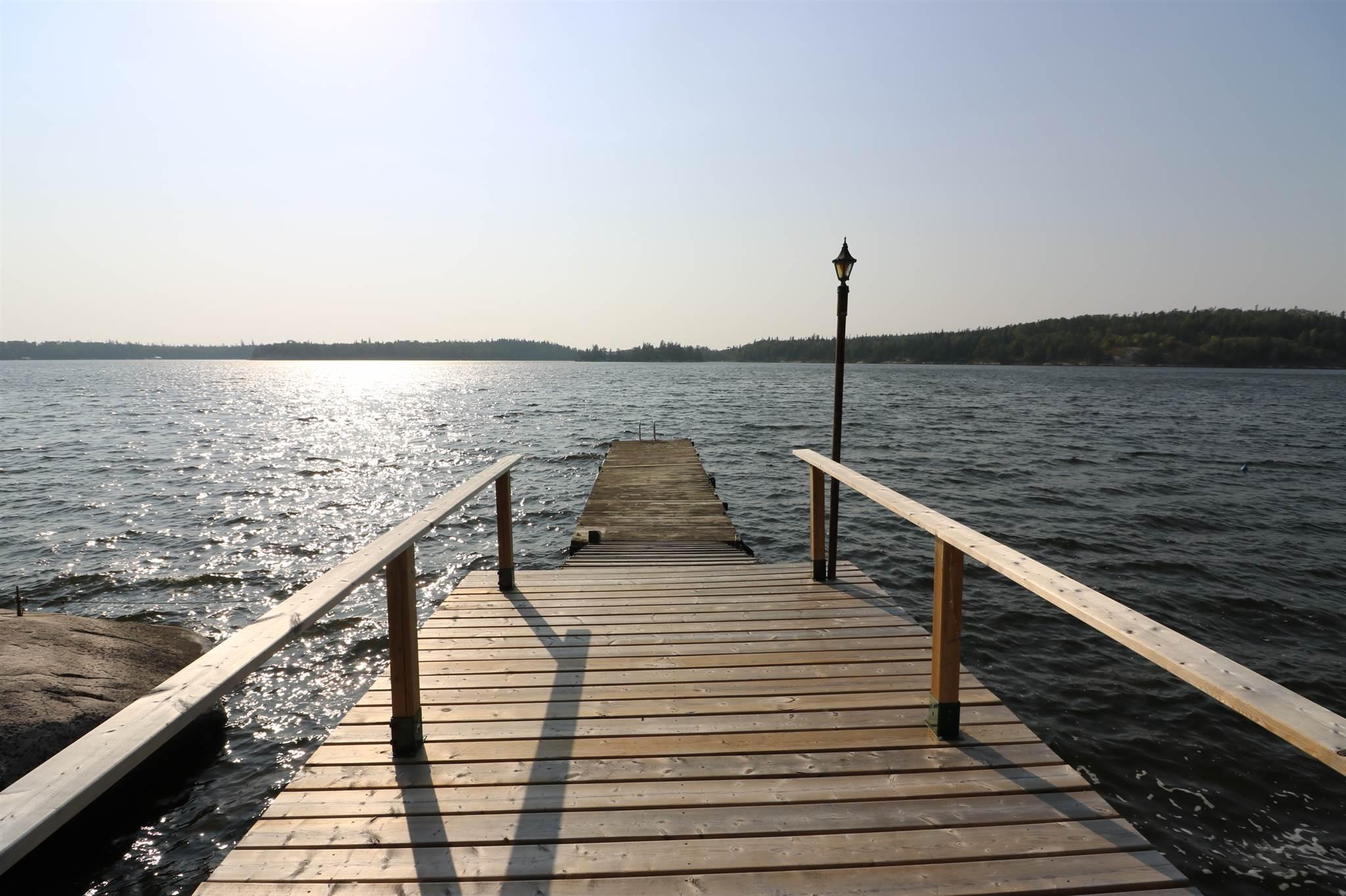 S986 Winnipeg River, Minaki, Ontario (ID TB201721)