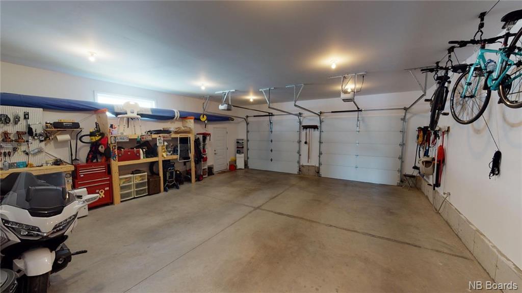 695 Hillcrest Drive, Fredericton, New Brunswick (ID NB056966)