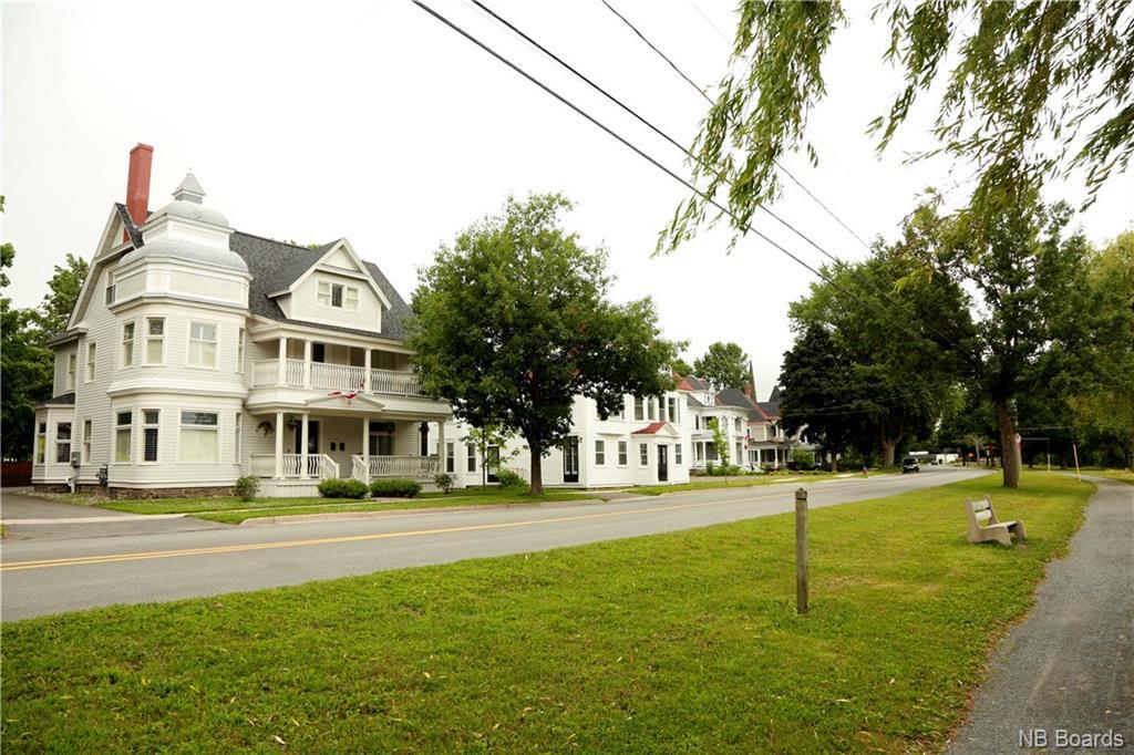 82 Waterloo Row, Fredericton, New Brunswick (ID NB060301)