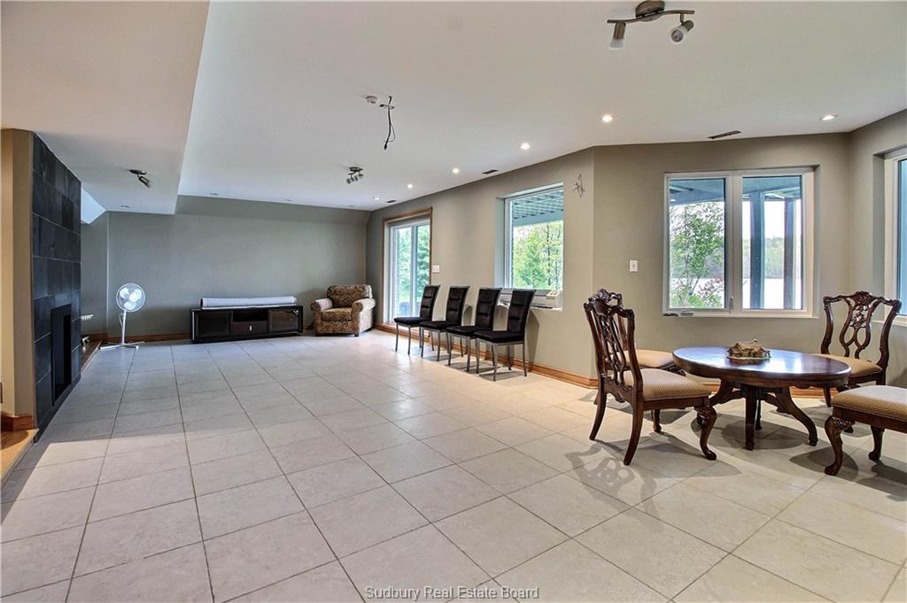 2365 Sandy Cove Road, Sudbury, Ontario (ID 2075991)