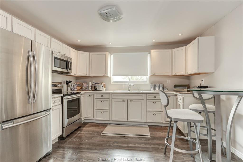 291 Notre Dame Street W, Azilda, Ontario (ID 2088493)