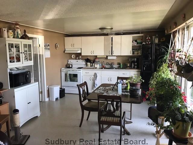 629 Hwy 64, Alban, Ontario (ID 2094504)