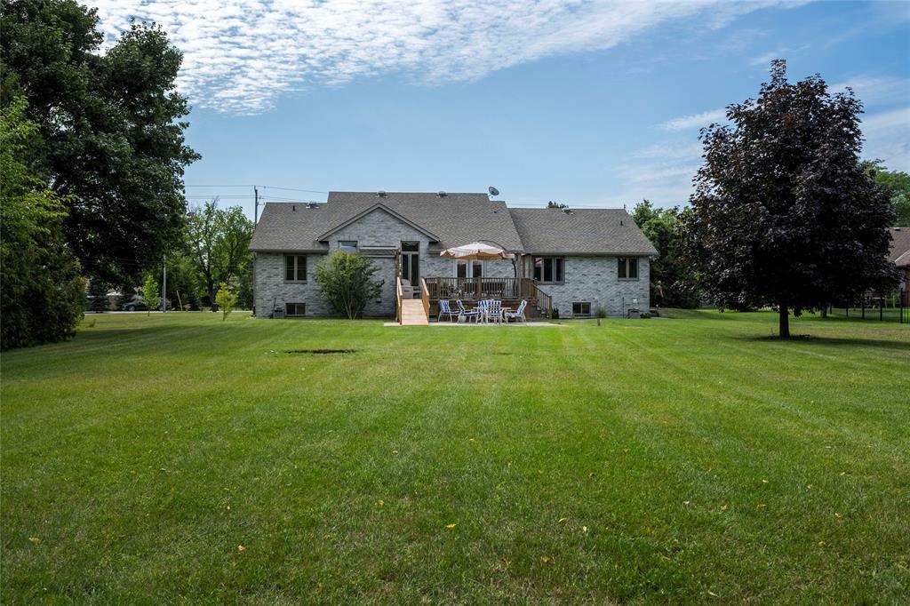 1576 BLACKWELL Road, Sarnia, Ontario (ID 21016945)