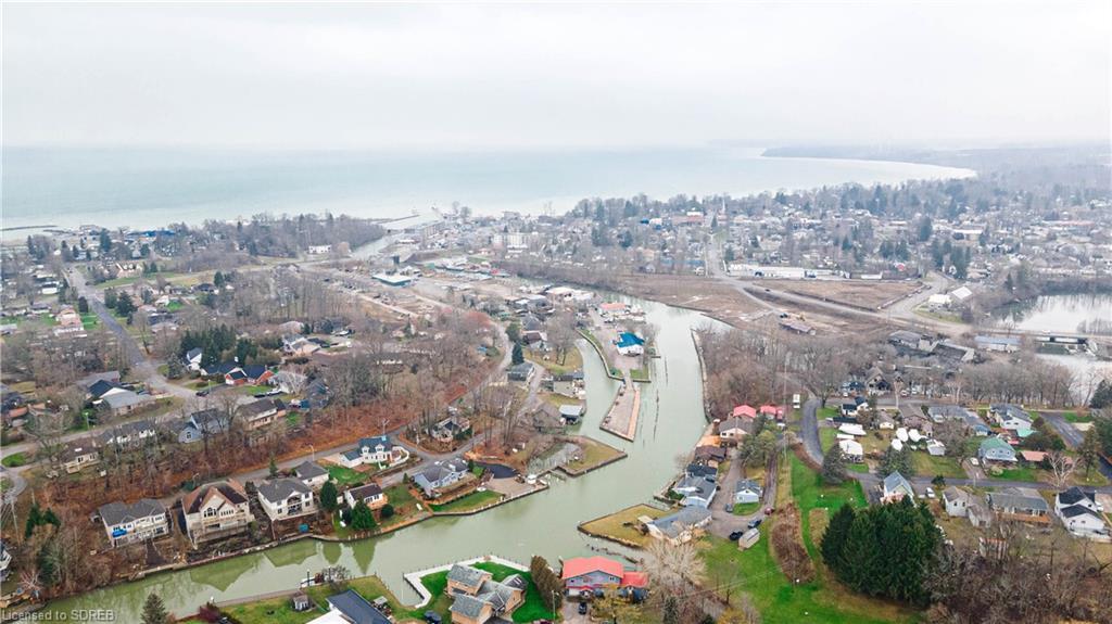 4 BLACK CREEK Lane, Port Dover, Ontario (ID 40052789)