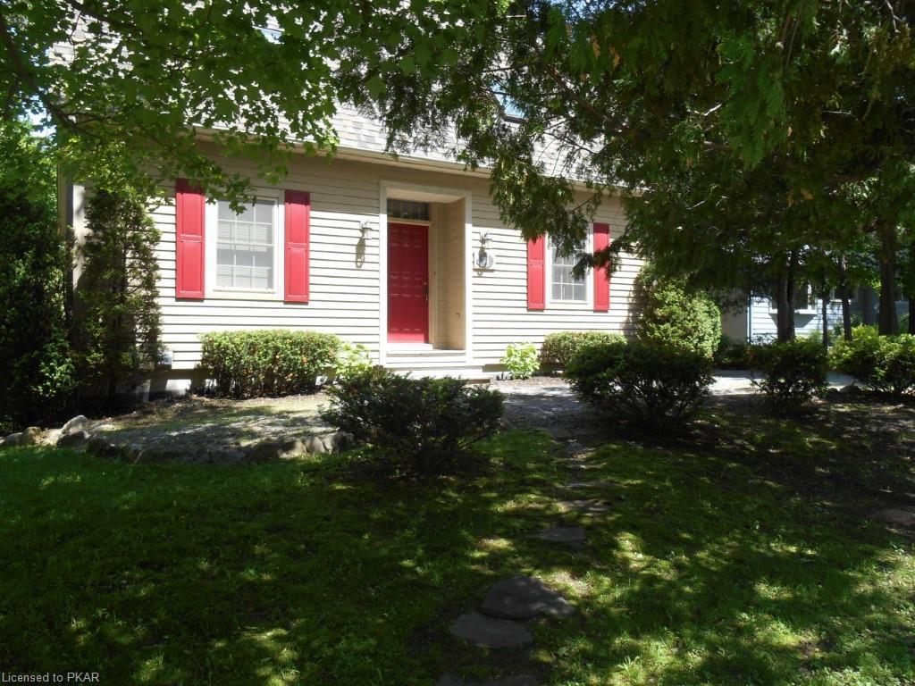 74 STRICKLAND Street, Lakefield, Ontario (ID 202287)