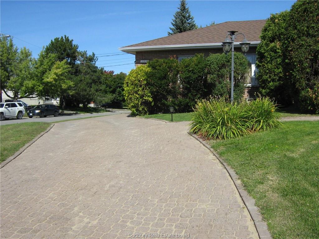 750 Grandview Boulevard, Sudbury, Ontario (ID 2080669)