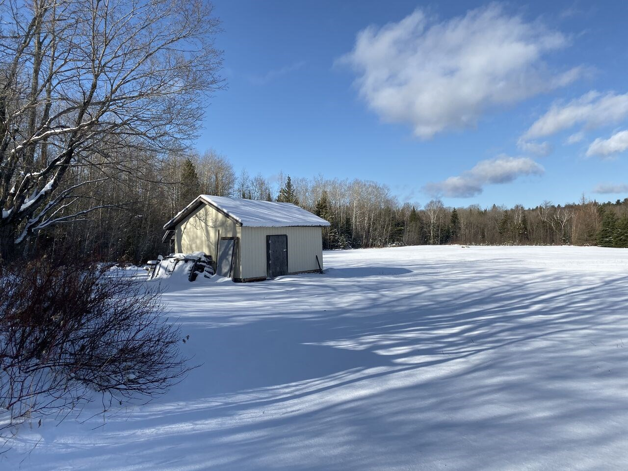 PCL 1433 & 1748 Astles Road, Blind River, Ontario (ID SM128234)