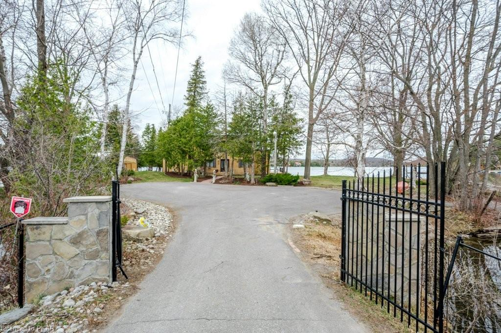 792 FIFE'S BAY MARINA Lane, Peterborough, Ontario (ID 256431)