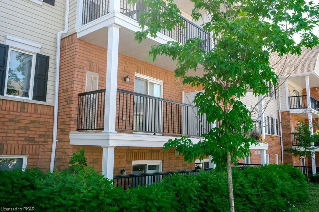 312 SPILLSBURY Drive Unit# 204, Peterborough, Ontario (ID 273626)
