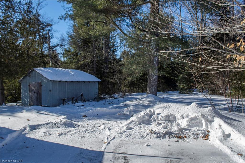 1053 KENNISIS LAKE Road, West Guilford, Ontario (ID 171921)