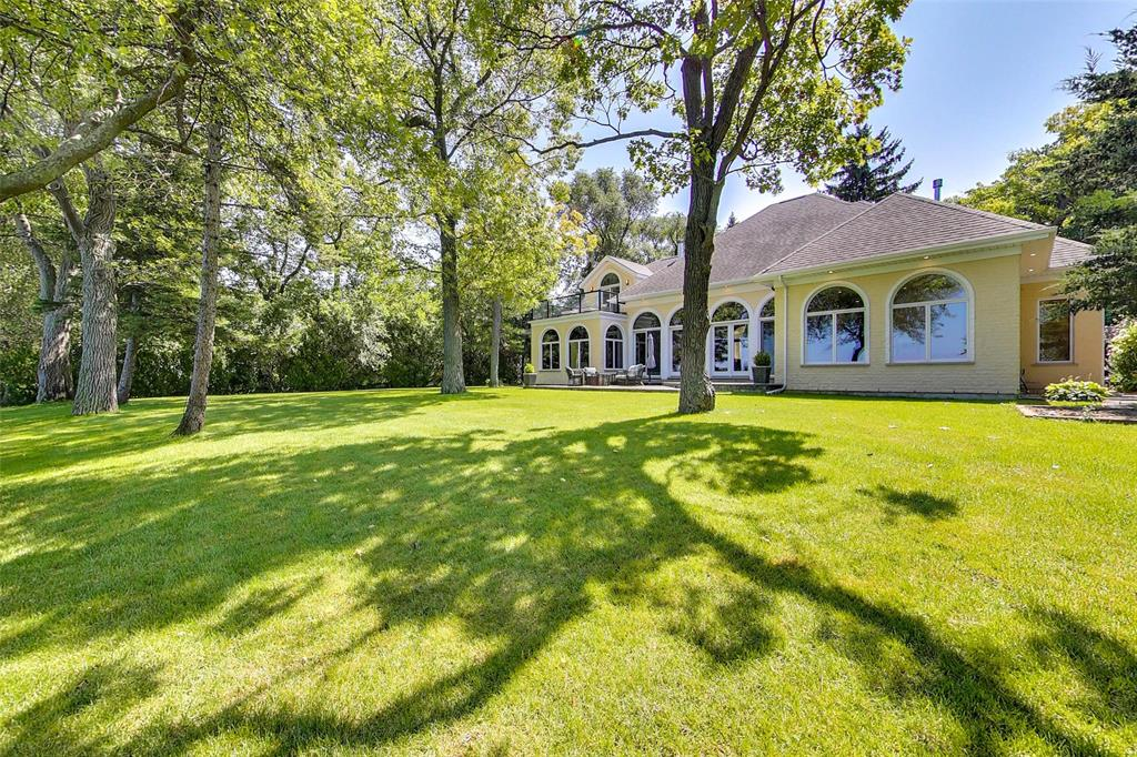1805 MODELAND Road, Sarnia, Ontario (ID 21015148)