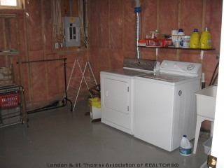 238 THORNE DR, Strathroy, Ontario (ID 479444)