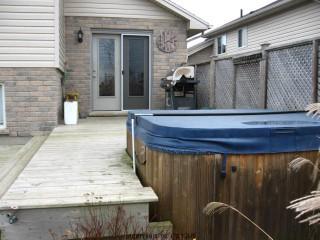 56 QUEENSWAY, Strathroy, Ontario (ID 493629)