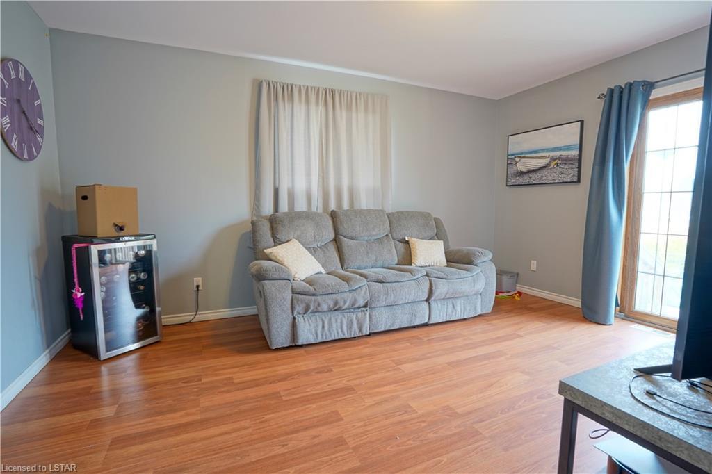 125 CARADOC Street S, Strathroy, Ontario (ID 40093415)