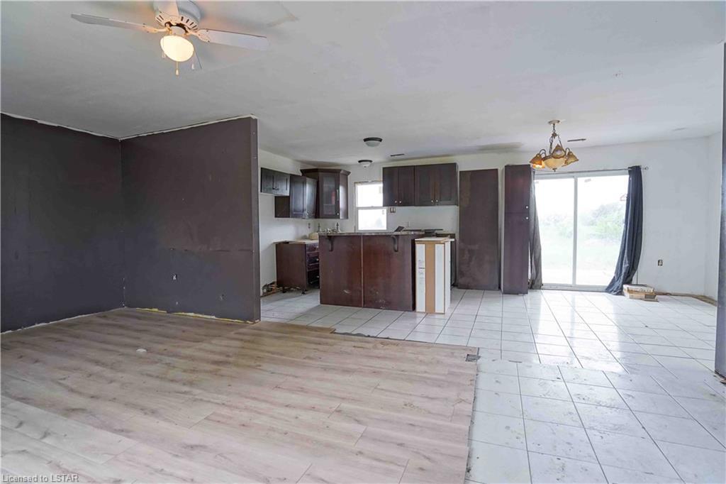 6422 GENTLEMAN Drive, Southwest Middlesex, Ontario (ID 40120858)