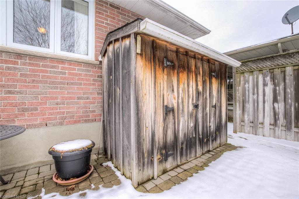 365 DRURY Lane, Strathroy, Ontario (ID 243942)