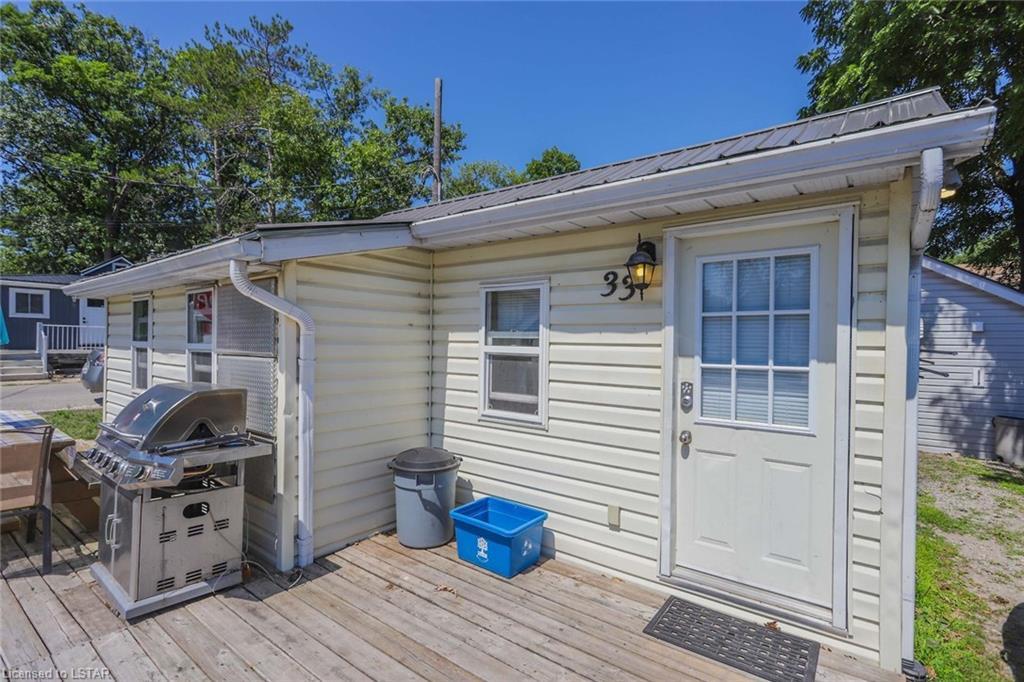 33 OAK Street, Grand Bend, Ontario (ID 278039)