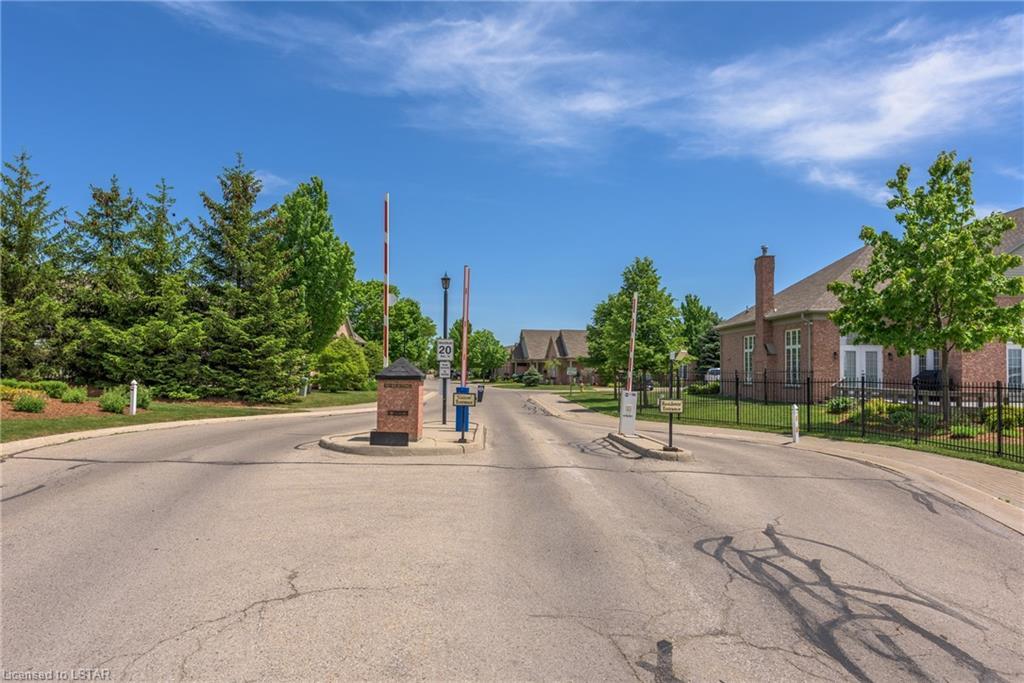 2025 MEADOWGATE Boulevard Unit# 135, London, Ontario (ID 246712)