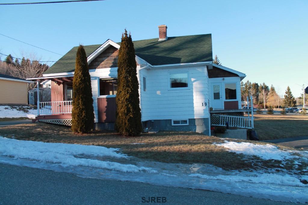 19 PAMDENAC ROAD, Grand Bay-westfield, New Brunswick (ID SJ170342)