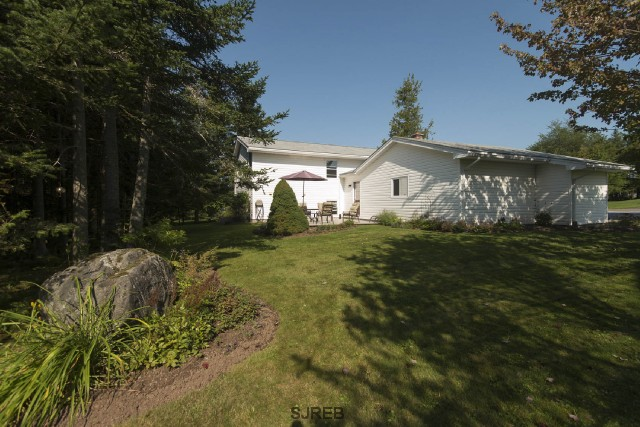 11 EDWARDS DRIVE, Quispamsis, New Brunswick (ID SJ163062)