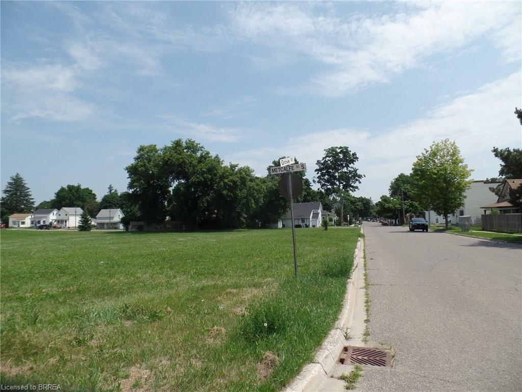 205 METCALFE Street S, Simcoe, Ontario (ID 30782027)